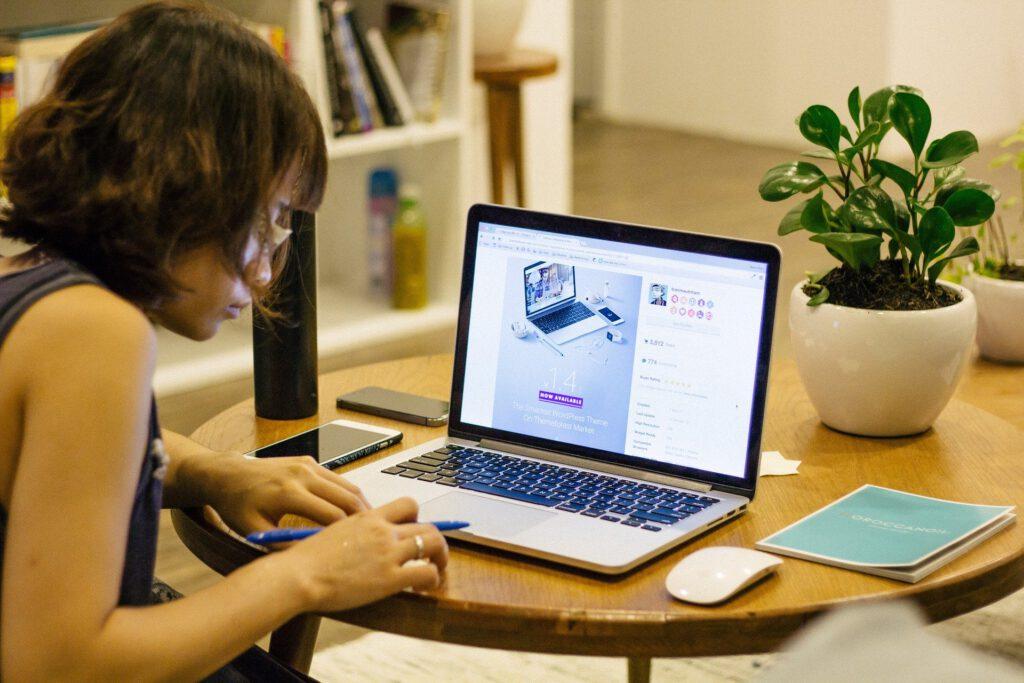 8 เทคนิค Work From Home อย่างมีประสิทธิภาพ