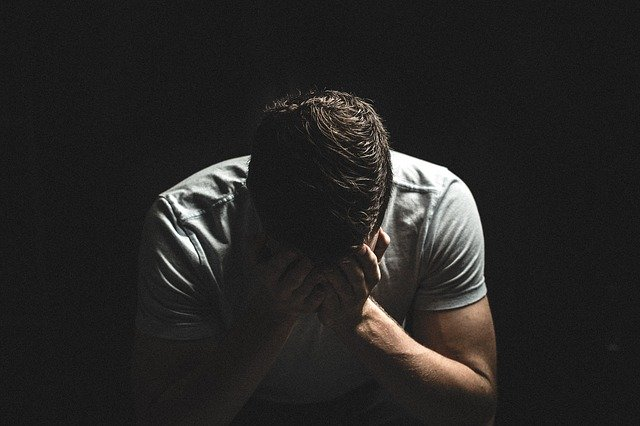 โควิด 19 เป็นสาเหตุของการฆ่าตัวตาย