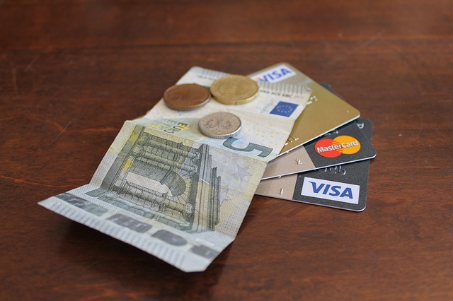 6 วิธีจัดการหนี้บัตรเครดิต