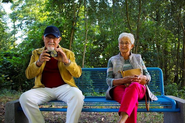 5 วิธีส่งเสริมสุขภาพจิตที่ดีของผู้สูงอายุ
